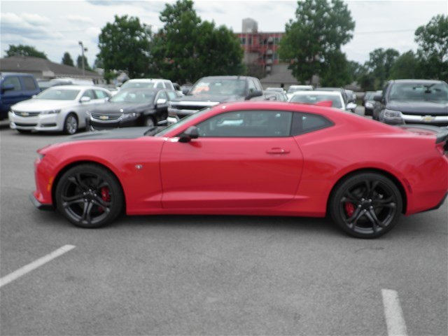 New 2018 Chevrolet Camaro SS 2D Coupe in Lafayette 870010